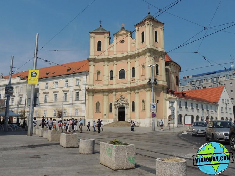 iglesia-trinitarias-Bratislava-Viajohoy-com Qué ver en Bratislava
