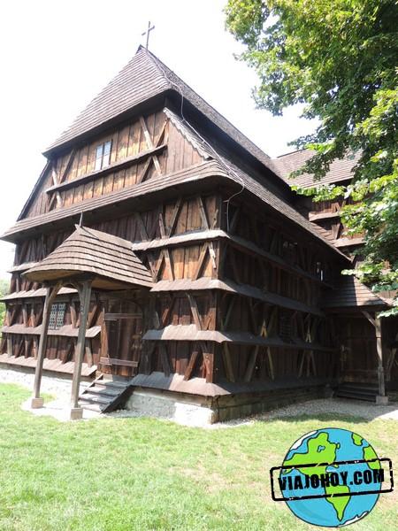 37-hronsek-Viajohoy-com Iglesia de madera de Hronsek