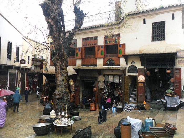 Fez.-Plaza-Seffarine Por que deberías visitar Fez – Marruecos
