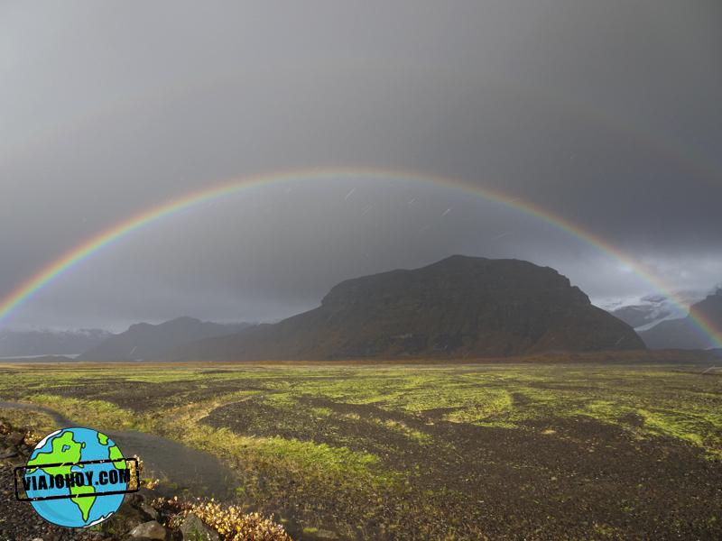 arco-iris-islandia-viajohoy1