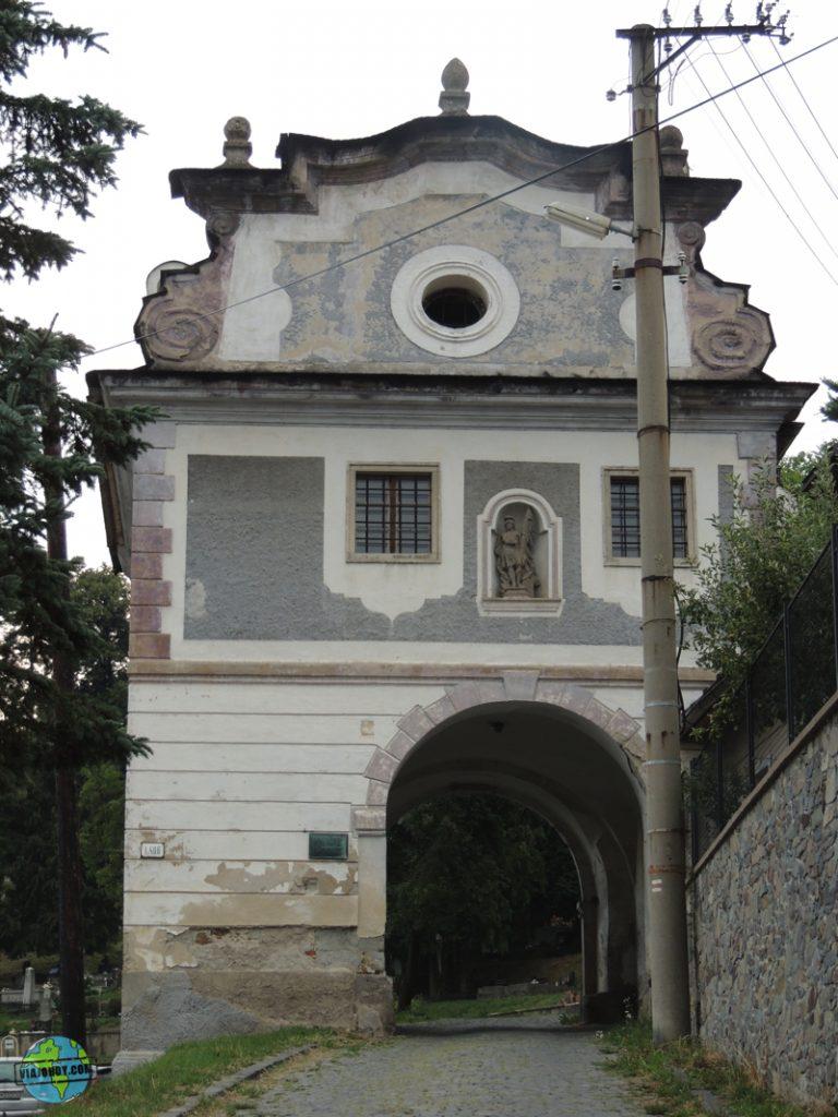 puerta Piarská Banska Stiavnica Banská Štiavnica – Que ver en Eslovaquia