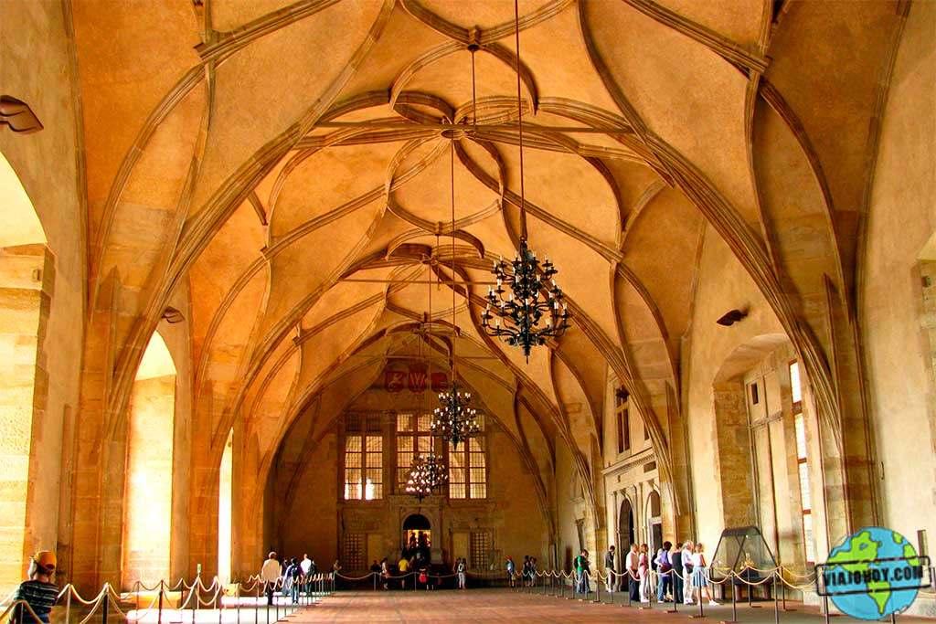Vladislav Hall, Palacio Real, Castillo de Praga El Palacio Real de Praga