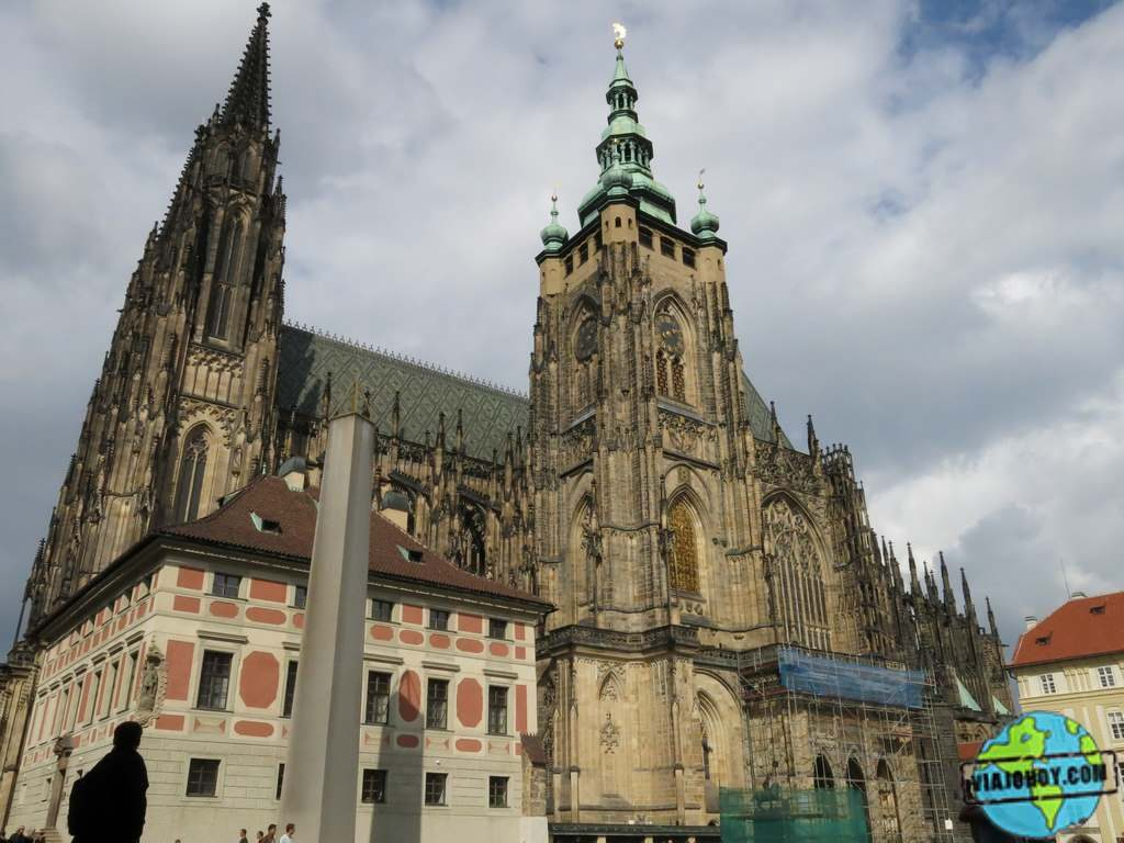 Torre del reloj de la Catedral de San Vito en Praga