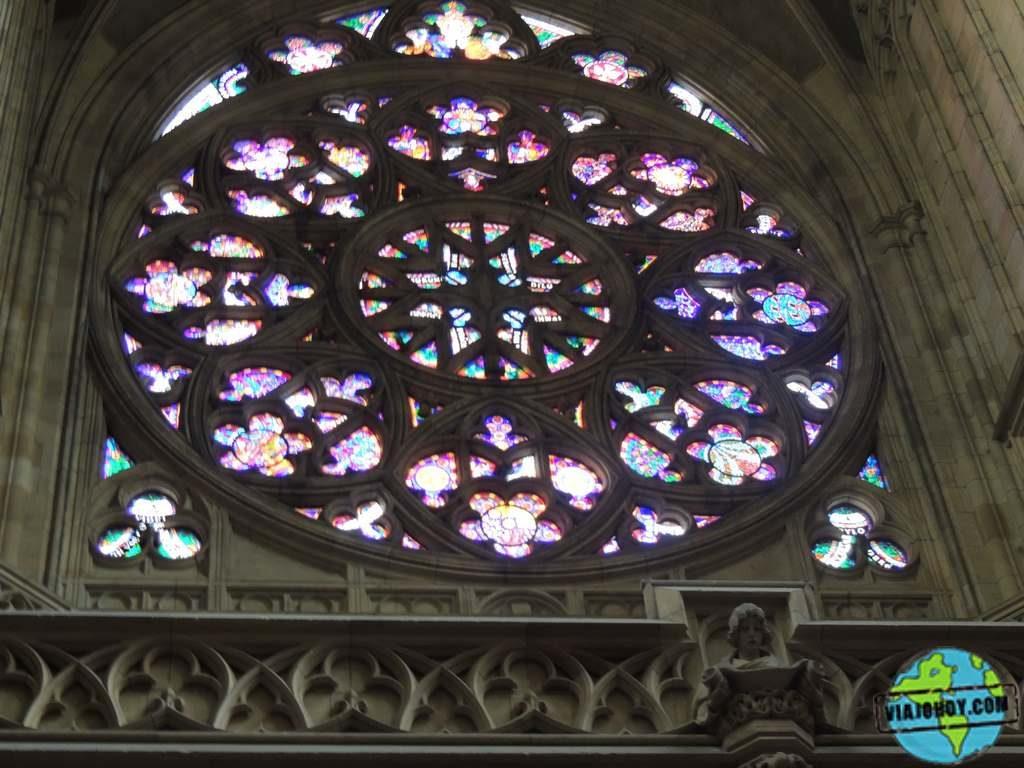 ventana-roseton-rose-catedral-san-vito-praga