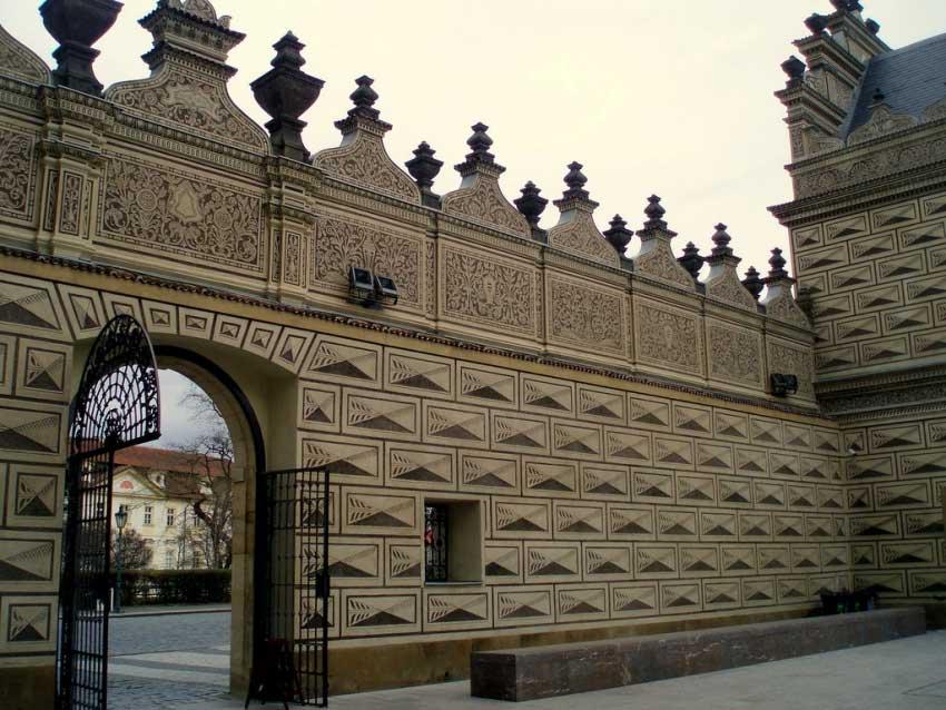entrada-Palacio-de-Schwarzenberg El Palacio de Schwarzenberg – Viaje a Praga