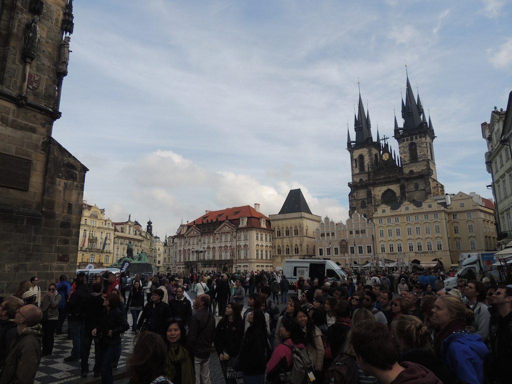 plaza-ayuntamiento-praga-viajohoy Antiguo ayuntamiento de Praga – Reloj astronómico