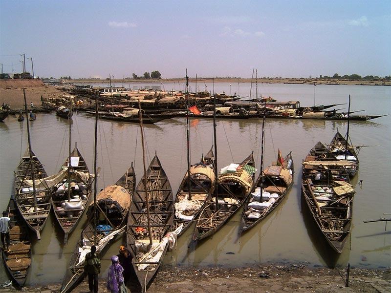 mopti-mali-venecia-negra La Venecia Negra y Su Puerto Acelerado, Mopti