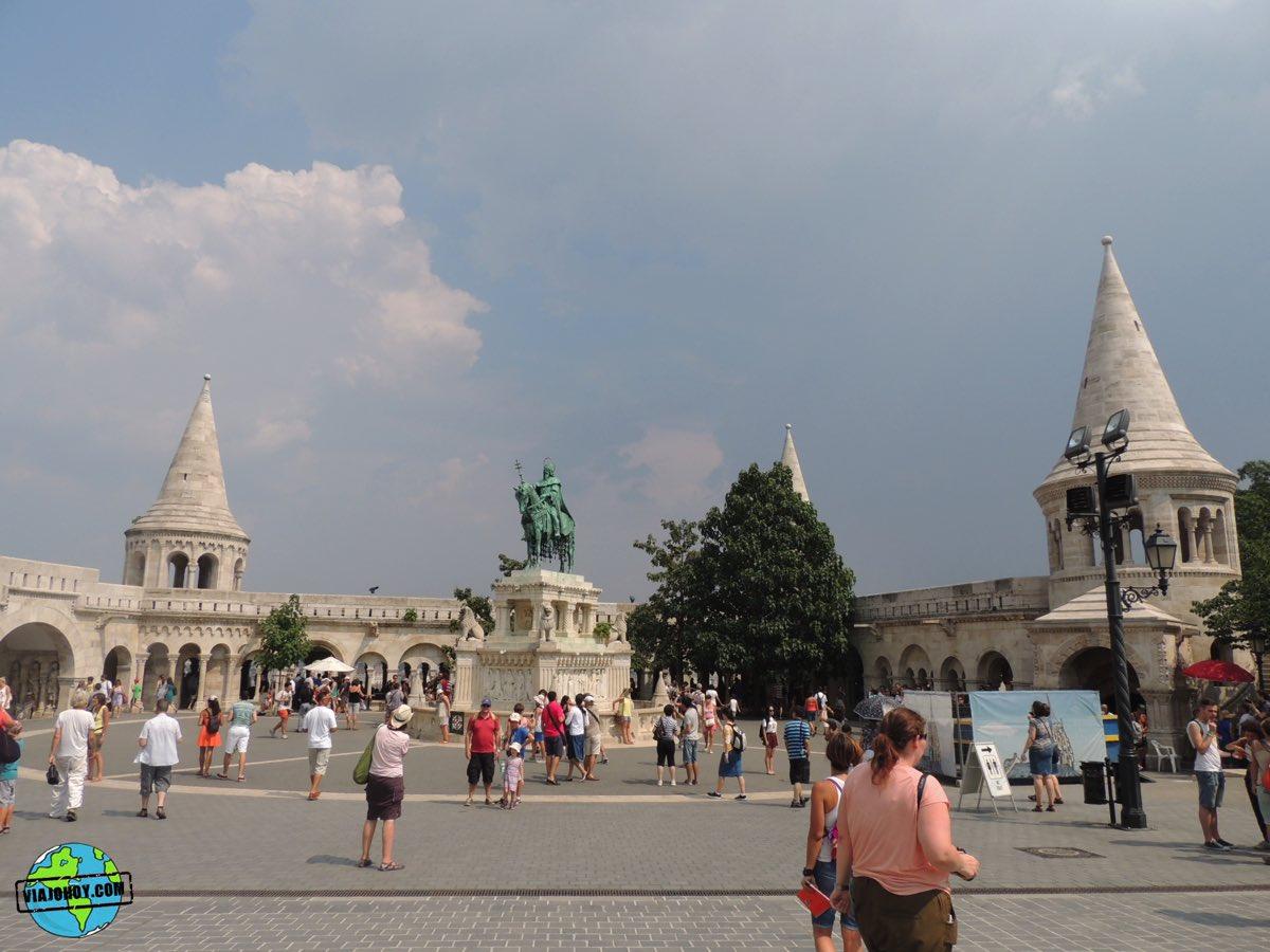 bastion-pescadores-budapest-viajohoy-6 La belleza del Bastión de los pescadores – Visita Budapest