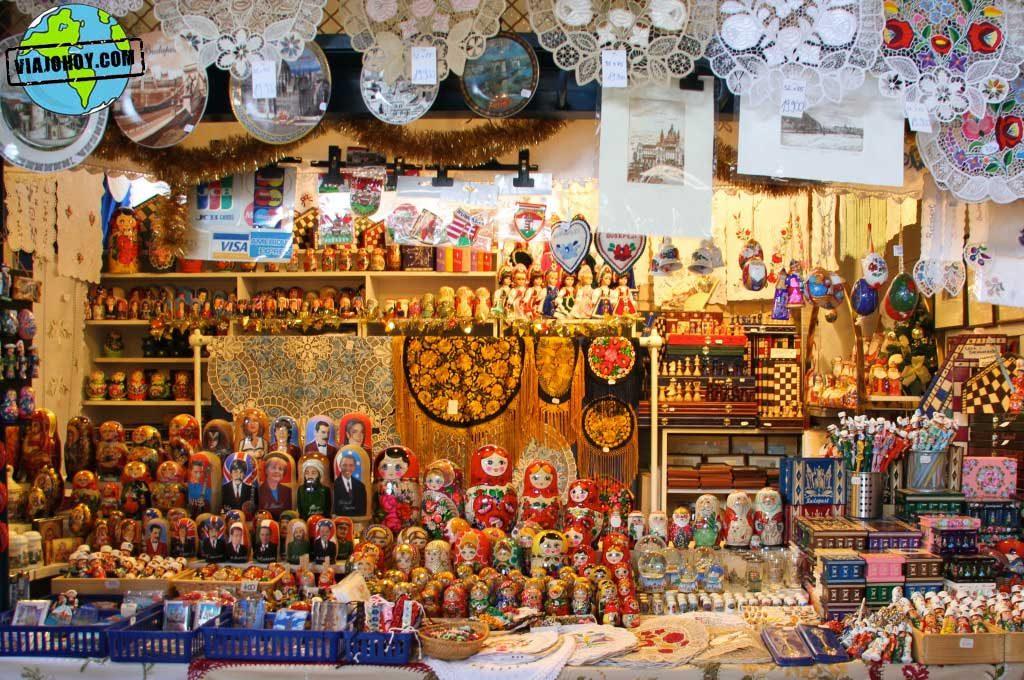 gran-mercado-central-budapest-viajohoy4 De compras en el Mercado central de Budapest