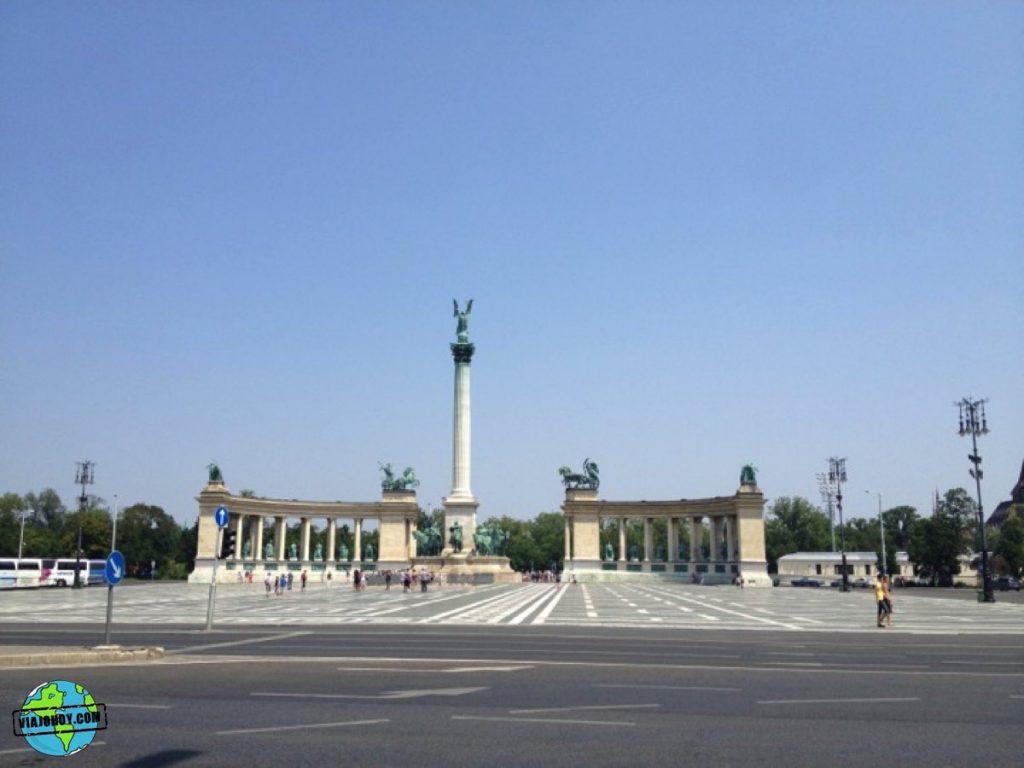 plaza-heroes-budapest-viajohoy-1 La Plaza de los héroes – Visita Budapest