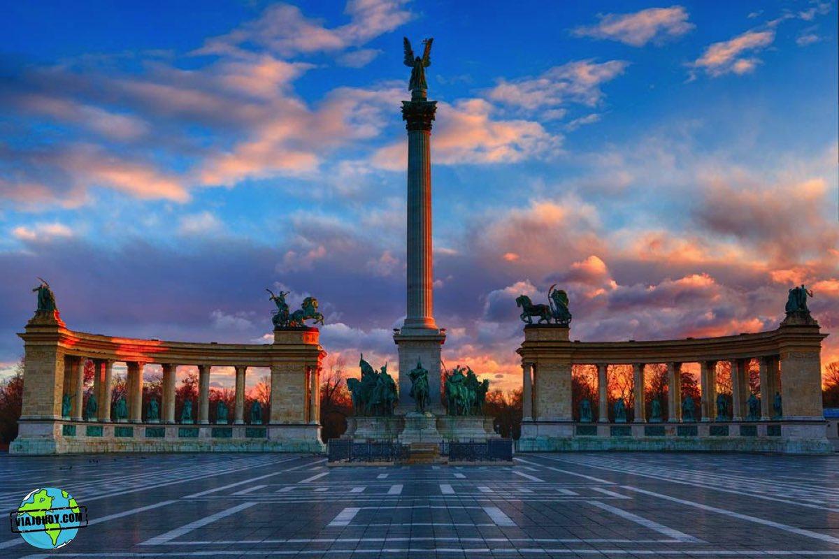 plaza-heroes-budapest-viajohoy-5 La Plaza de los héroes – Visita Budapest