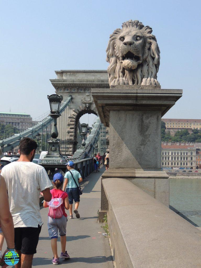 puente-cadenas-budapest-viajohoy-3 El imponente Puente de las Cadenas de Budapest