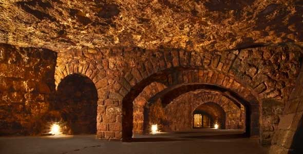 laberinto-bajo-templo-buda2 El laberinto subterráneo del castillo de Buda