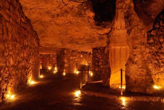 laberinto-bajo-templo-buda3 El laberinto subterráneo del castillo de Buda