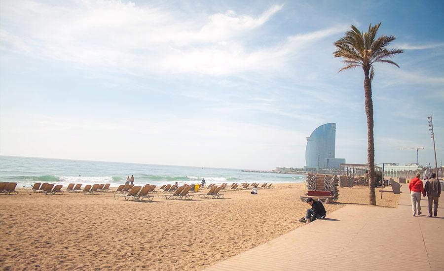 La Playa de la Barceloneta Lugares especiales para alojarse en Barcelona