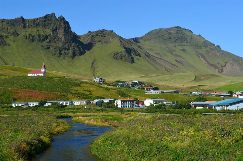 vik-islandia-viajohoy7 Exóticas playas de arena negra en Islandia