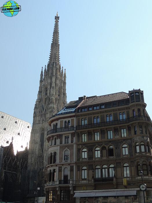 catedral-viena-vista-desde-lateral-viajohoy