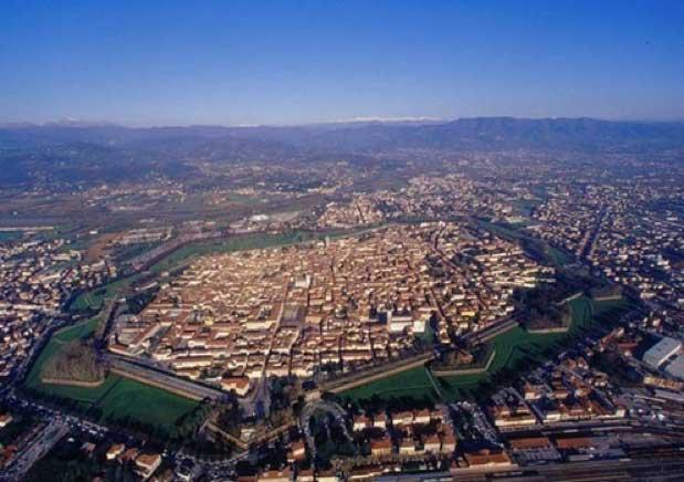 Lucca-visita-italia2