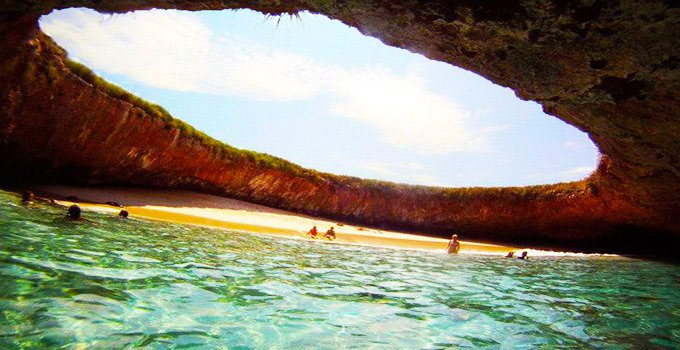 playa-escondida-islas-marietas